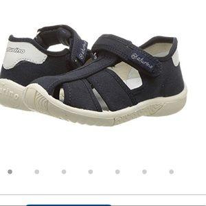 Naturino sandals, sz 9 toddler